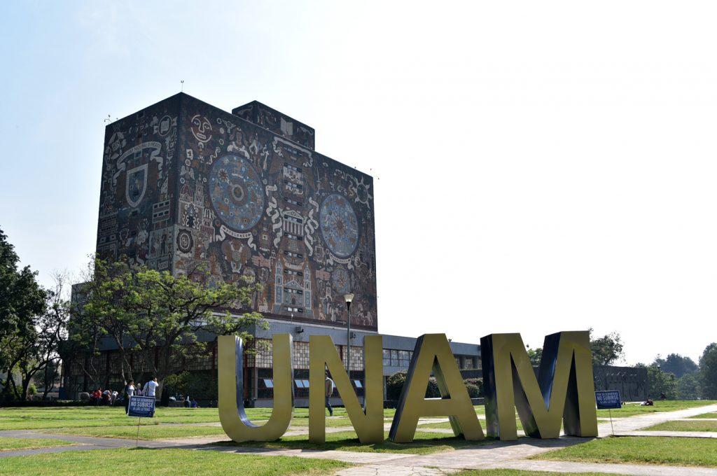Regresan 350 mil estudiantes a la UNAM  vía remota