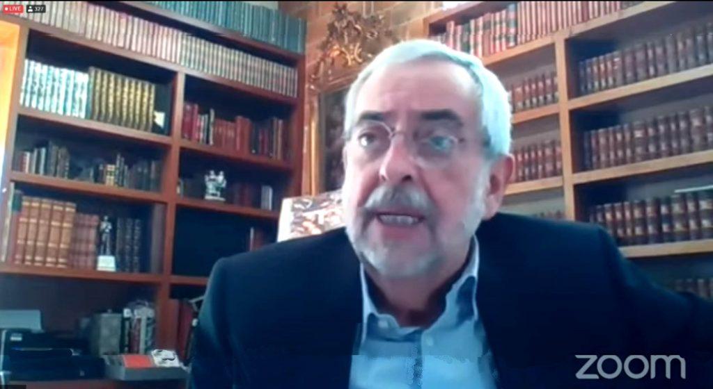 El rector Enrique Graue inauguró el evento e invitó a los universitarios
