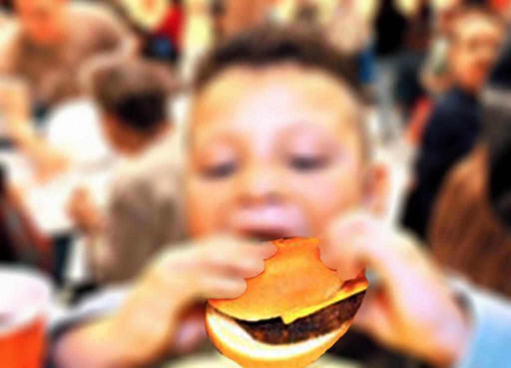 Confinamiento exacerba la obesidad infantil