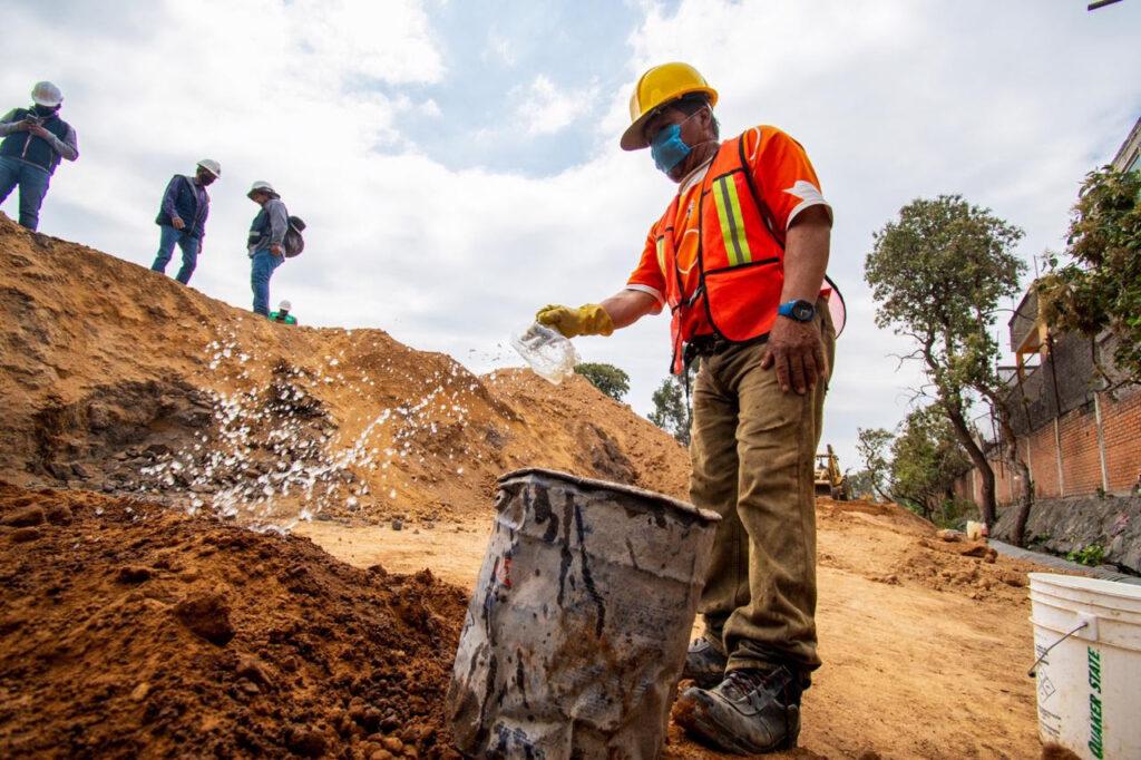 Supervisan construcción de colector gitana en Tláhuac