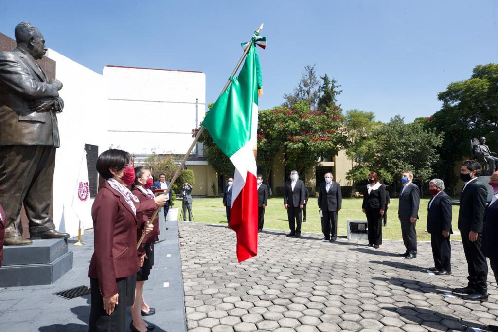 IPN rindió homenaje al General Lázaro Cárdenas