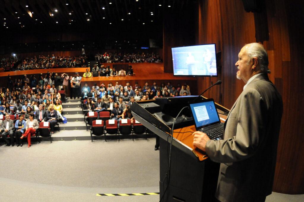 Presenta UNAM candidatura Mario Molina