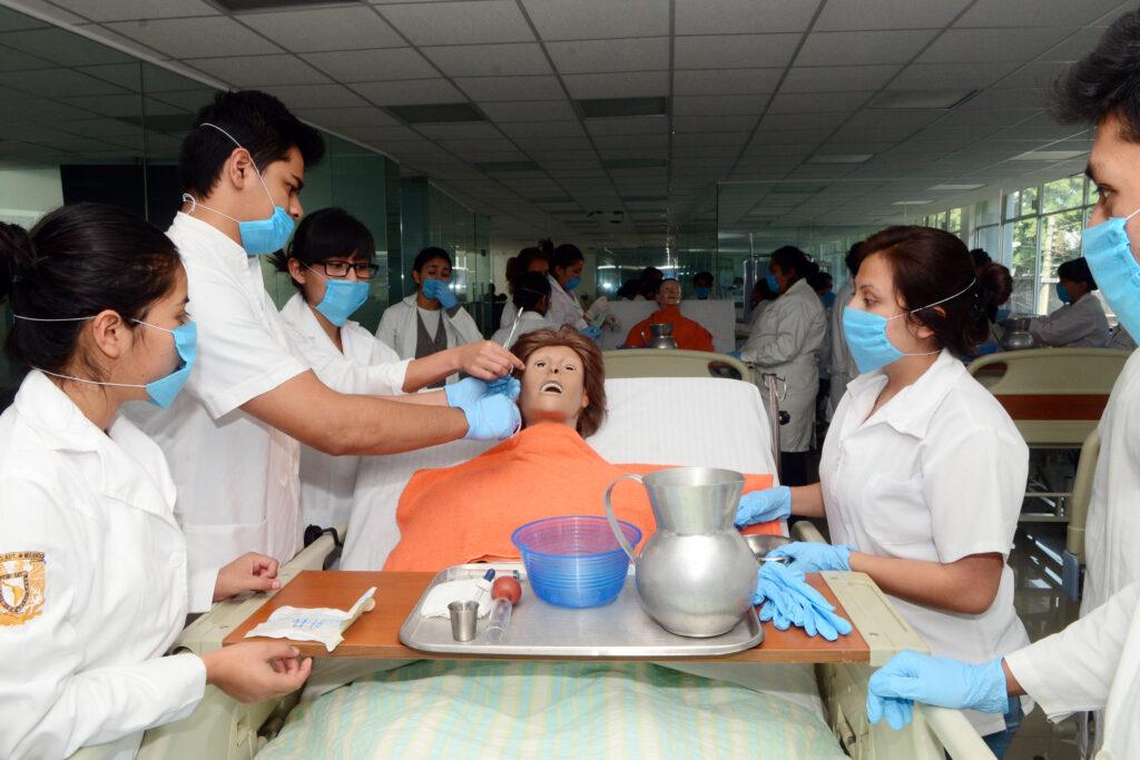 Enfermeras y enfermeros: presentes