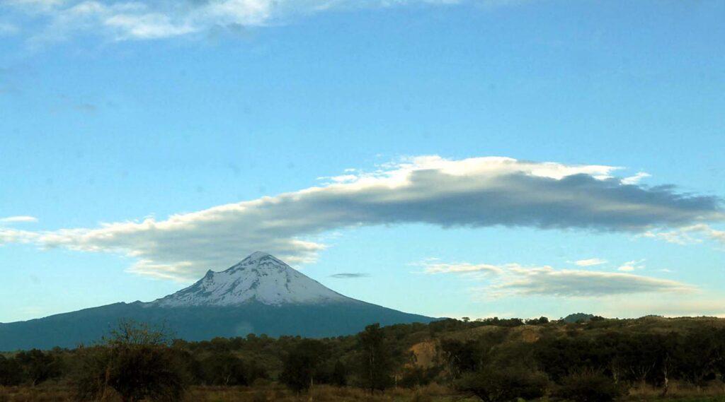 Sin niveles preocupantes actividad del Popocatépetl