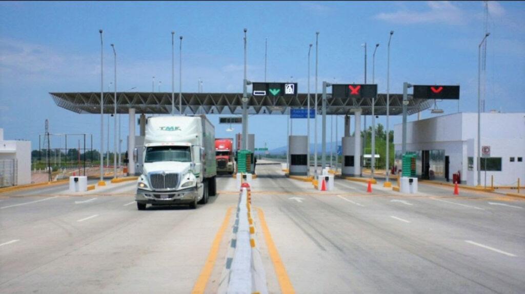 Firman convenio en beneficio del transporte en México