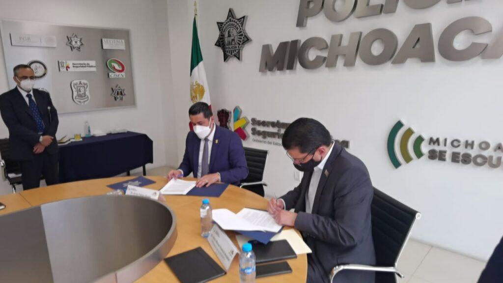 Firman acuerdo contra robo de vehículos