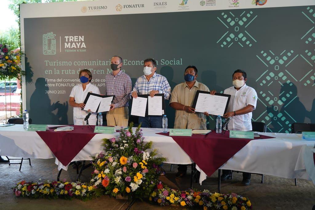 Firman convenio para fortalecer turismo en  Yucatán