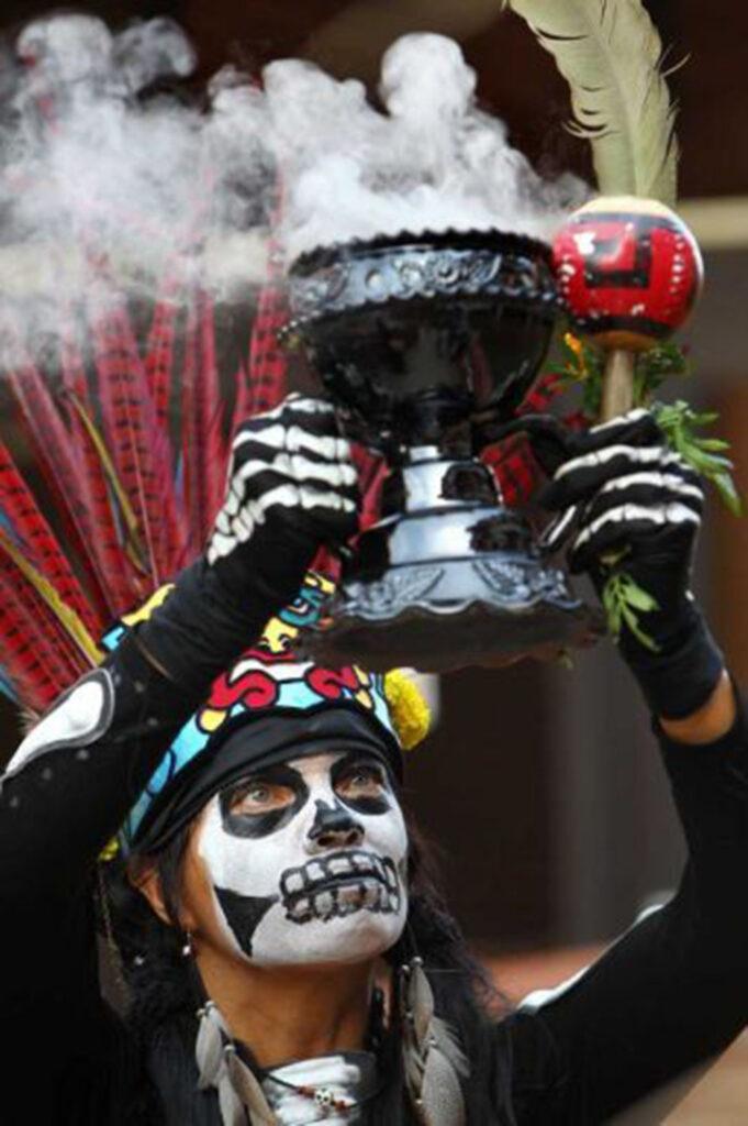A través del olfato revisan historia de México en la UNAM