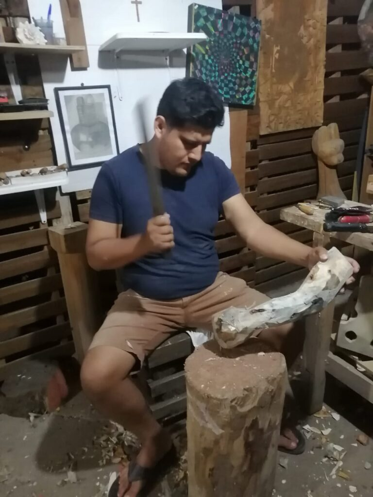Gabriel Sosa: artesano creador de alebrijes de madera