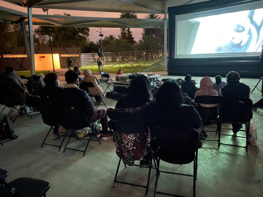 Regresa cine gratis y al aire libre a San Juan de Aragón
